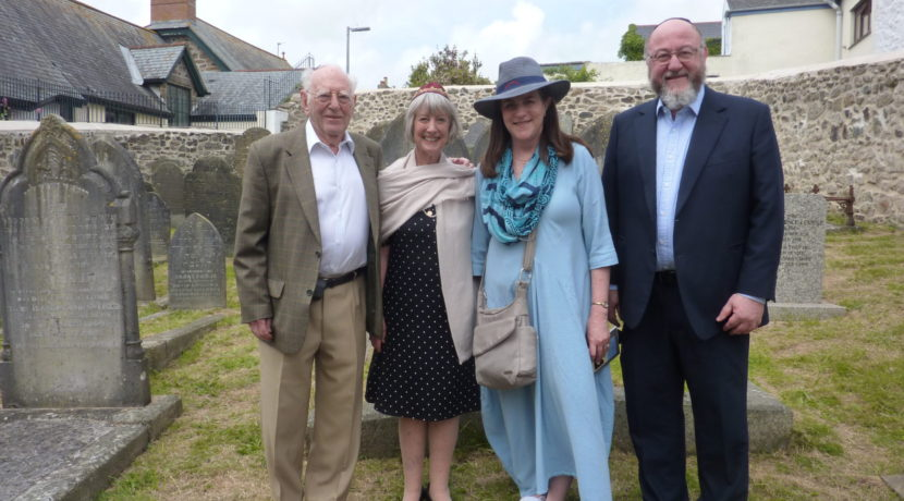 Chief Rabbi and Rebbetzin visit Penzance Jewish Cemetery